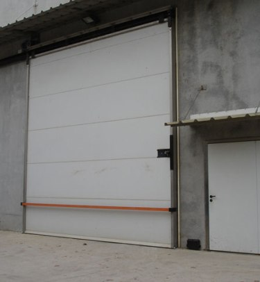 INDUSTRIAL HERMETIC SLIDING DOORS