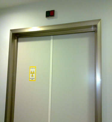 X-RAY DOORS FOR X-RAY RADIOLOGY ROOMS