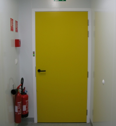 FLUSH SERVICE DOOR FOR CLEANROOMS & LABORATORIES