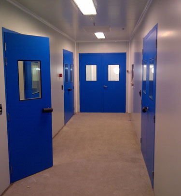 FLUSH SERVICE DOOR FOR CLEANROOMS - LABORATORIES