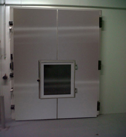 OVERLAP HINGED CONTROLLED ATMOSPHERE DOOR