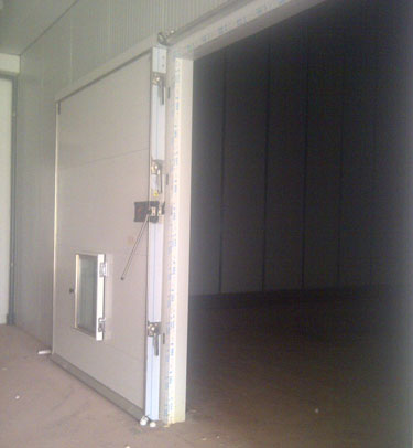 GTH3 CONTROLLED ATMOSPHERE SLIDING DOOR